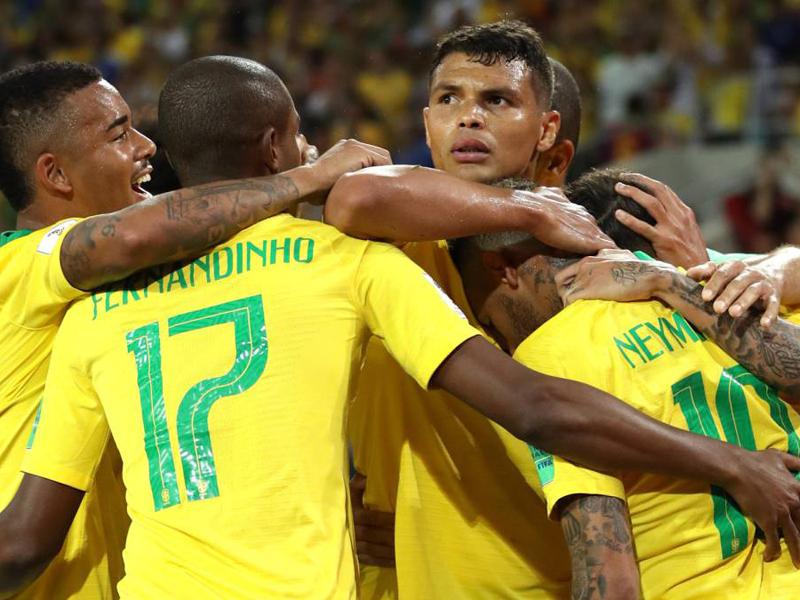 Brasil bate a Sérvia e passa em primeiro; Suíça empata e também avança