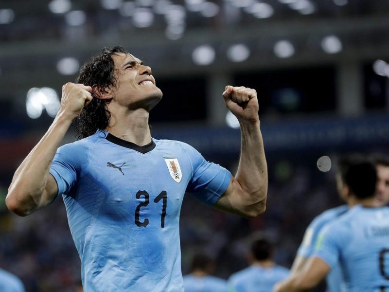Cavani marca duas vezes e Uruguai elimina Portugal