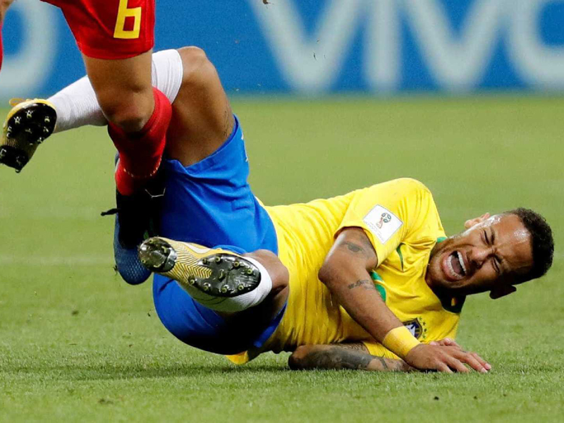 Em apenas cinco jogos, Neymar conseguiu arranhar a sua imagem na Copa do Mundo da Rússia