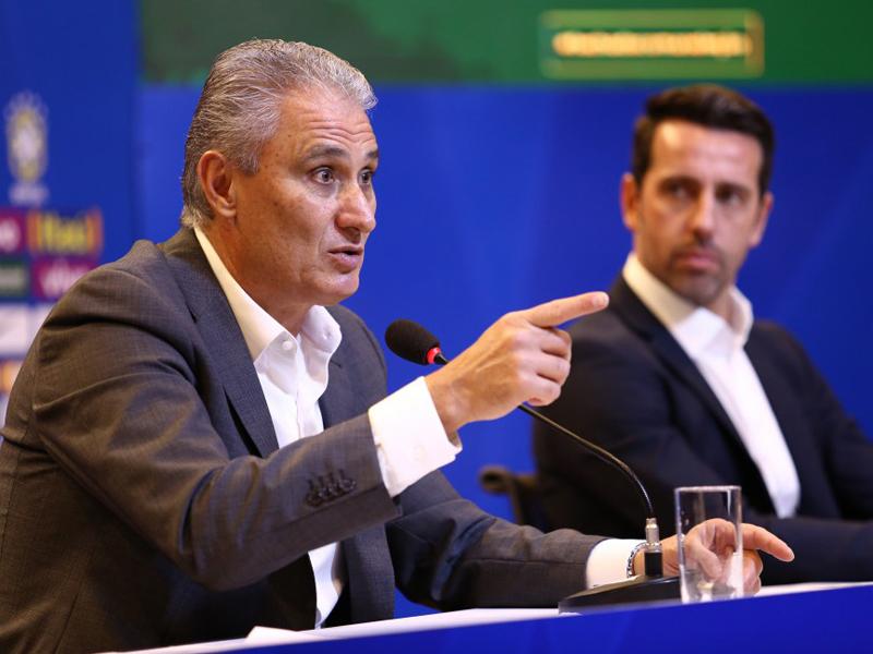 Tite e Edu Gaspar falam sobre renovação de contrato; Neymar quebra o silêncio e pede apoio dos brasileiros