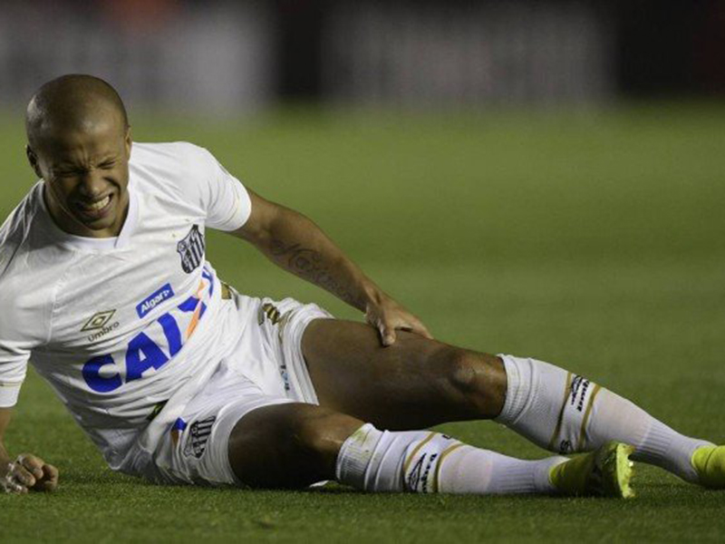 """Santos é punido pela Conmebol no """"Caso Sanchez"""" e terá de golear o Independiente para avançar na Libertadores"""