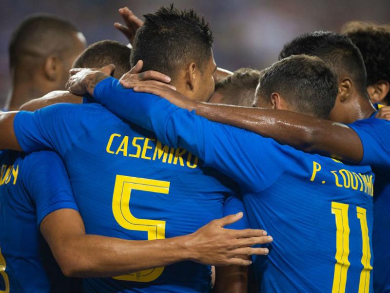 Brasil inicia ciclo pós-Copa com vitórias tranquilas em amistosos