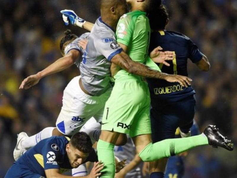 Cruzeiro repudia a expulsão de Dedé, que também se manifesta
