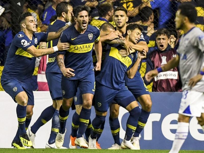 Com lambança do VAR, Boca Juniors vence o Cruzeiro em La Bombonera
