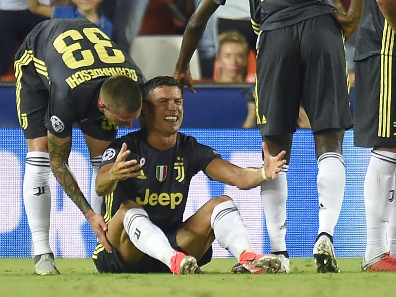 CR7 é expulso, mas Juve vence o Valencia; Real goleia a Roma no Bernabeu