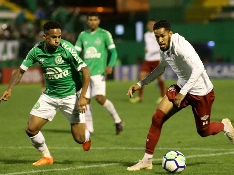 Fluminense vence e joga a Chape pro Z-4; Vasco derrota o Bahia e respira