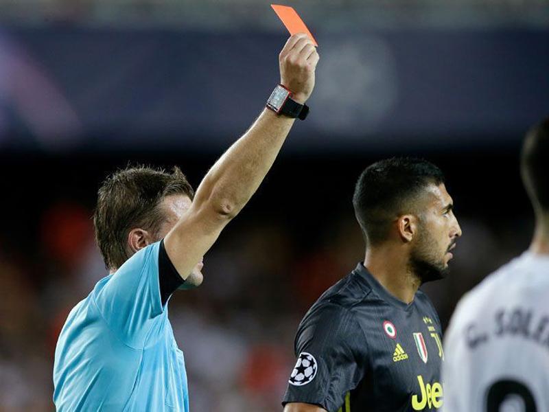 Algumas expulsões consideradas injustas pelo mundo do futebol