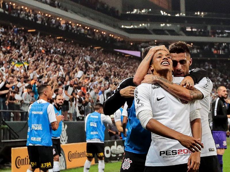 Jair Ventura e Pedrinho enaltecem Corinthians em vitória que garantiu vaga na final da Copa do Brasil