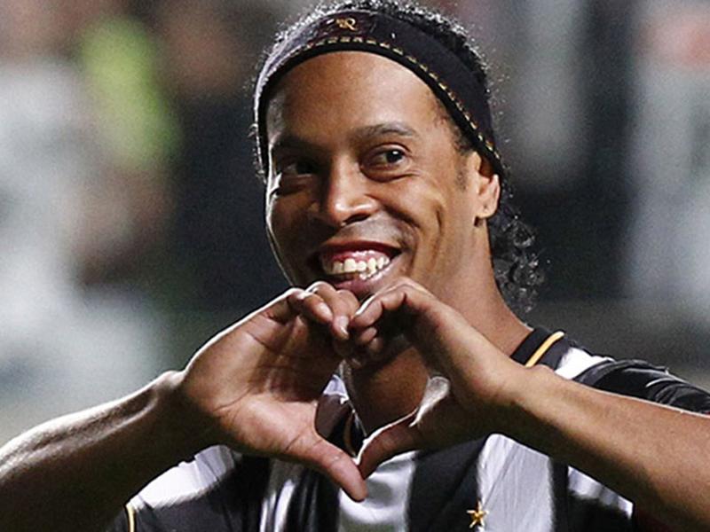 Melhores momentos da carreira de um ídolo: Ronaldinho Gaúcho