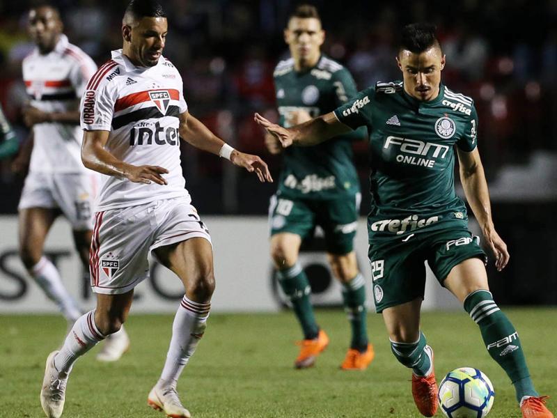 Palmeiras vence o São Paulo e se isola na liderança do Brasileirão