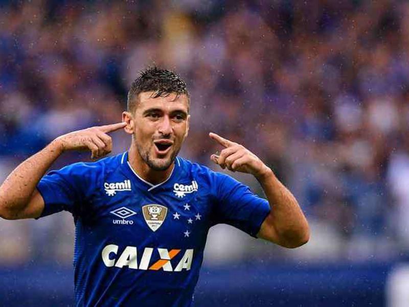 O desempenho dos rivais do futebol brasileiro neste final do ano