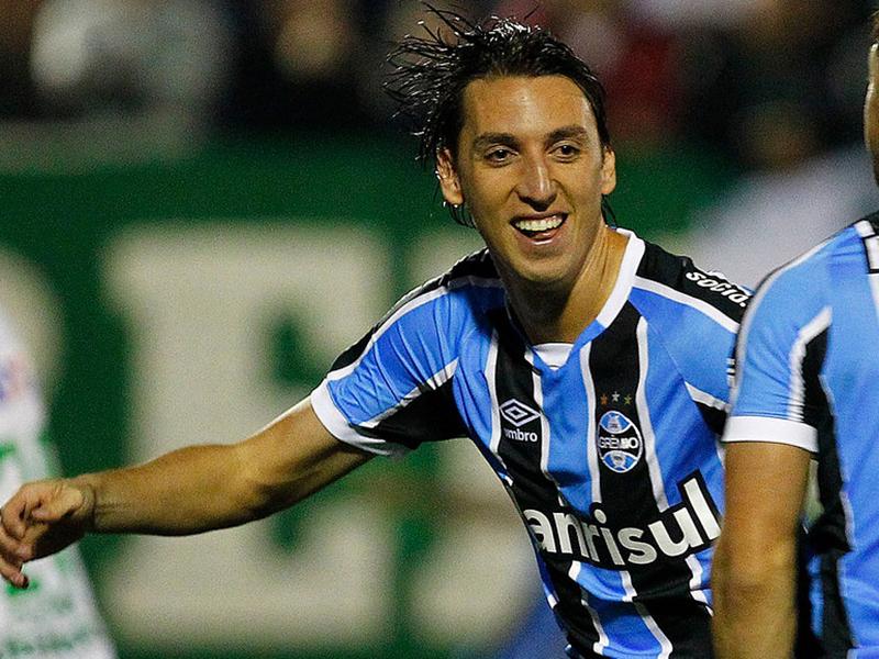 Geromel tenta chegar a mais uma final com o Grêmio no melhor ano da sua carreira