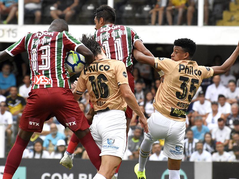 Santos vence o Fluminense na Vila Belmiro e se aproxima da zona da Libertadores