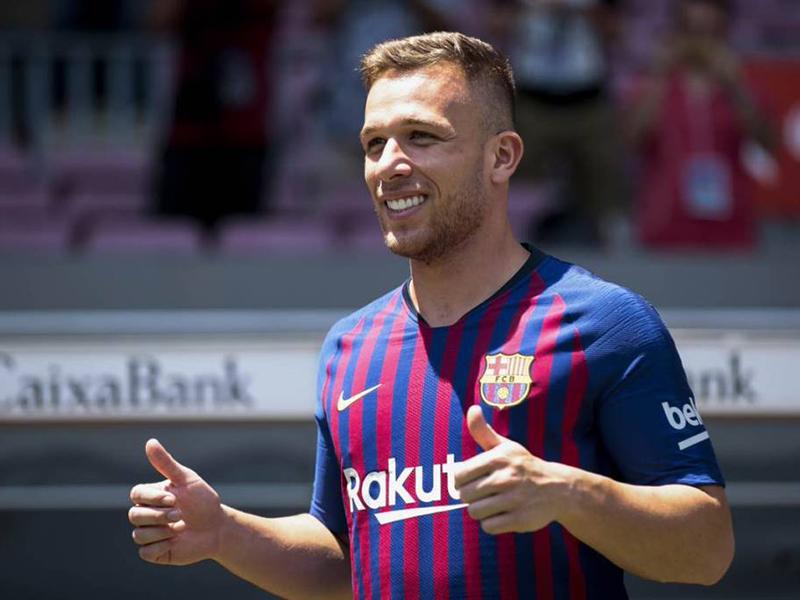 A grande adaptação de Arthur no Barcelona