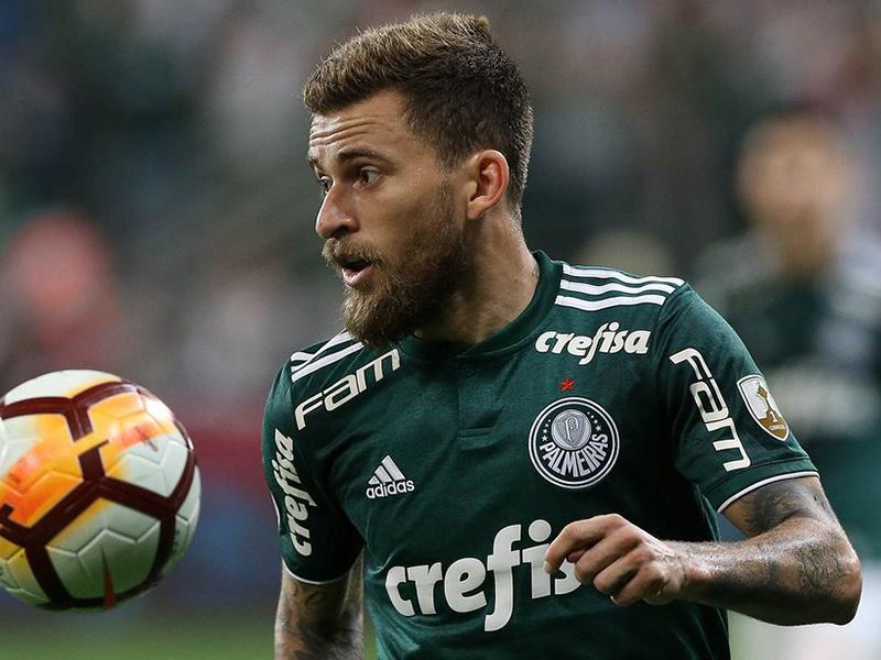Palmeiras vence o Santos e coloca a mão na taça; São Paulo e Flamengo ficam no empate