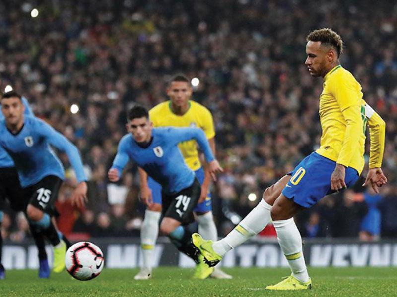 Brasil joga mal, mas vence o Uruguai com gol de Neymar
