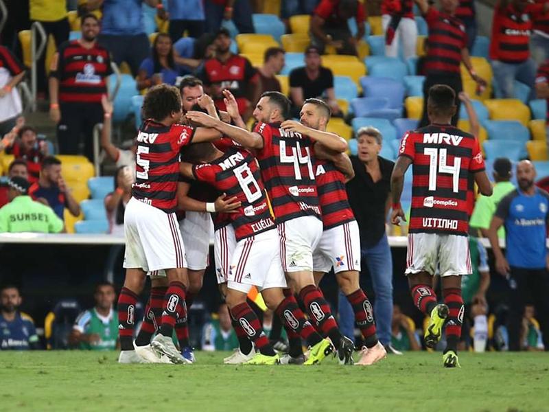 Flamengo encara Cruzeiro e sonha com o título do Brasileirão