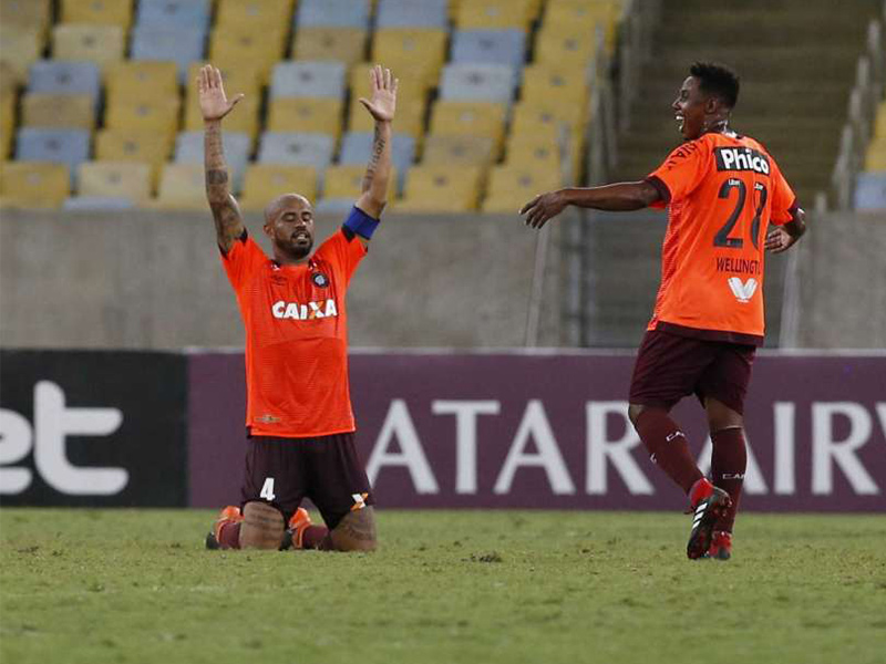 Furacão vence o Fluminense e está na final da Sul-Americana