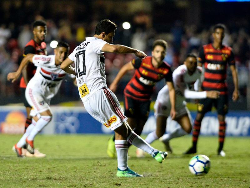 São Paulo faz mal segundo turno e decepciona