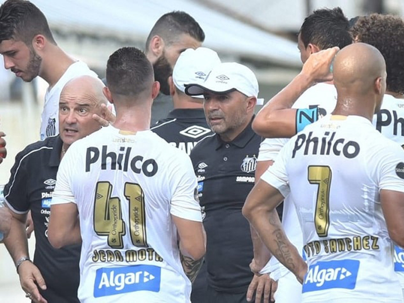 Com problemas financeiros, Santos contratará pouco, diz diretoria
