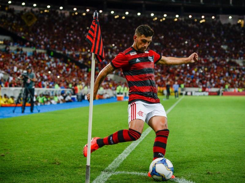 Times brasileiros formam elencos cada vez mais fortes para esta temporada