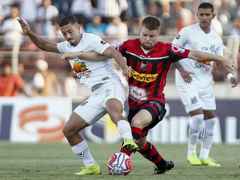 Ituano goleia o Santos por 5 a 1; Hernanes marca em vitória do São Paulo