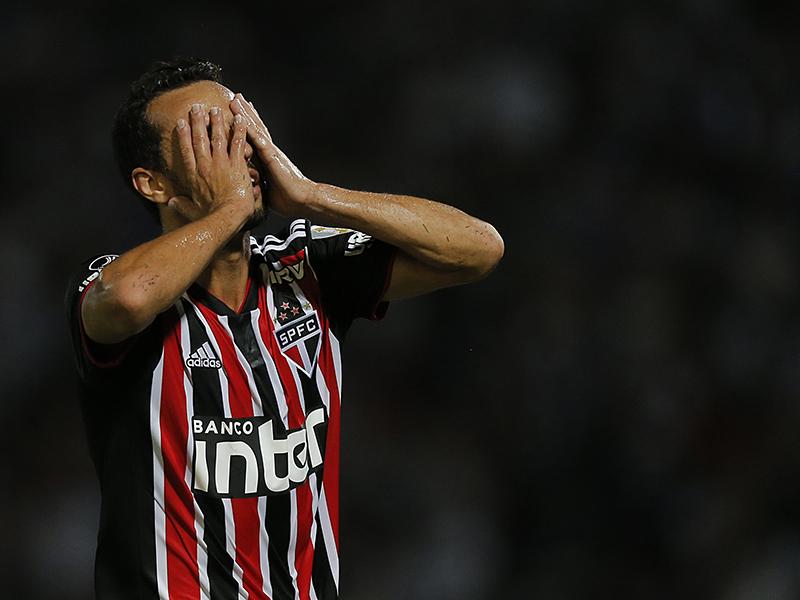 São Paulo leva 2 a 0 do Talleres e se complica na Pré-Libertadores