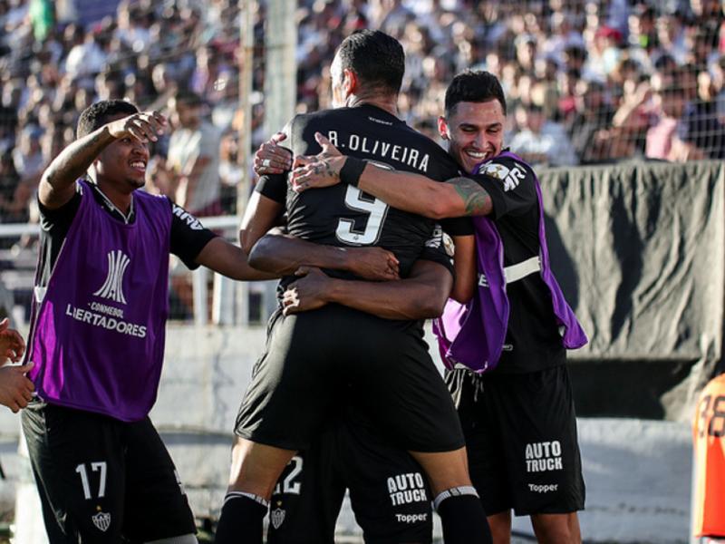 Atlético-MG passa pelo Danúbio e segue vivo na Libertadores; São Paulo afasta Jardine e contrata Cuca