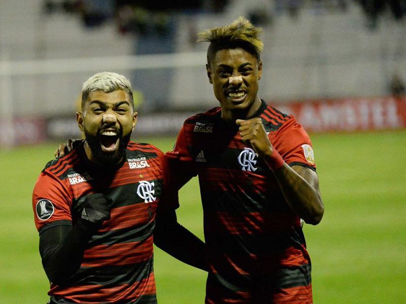 Gabigol marca e Flamengo estreia com vitória na Libertadores