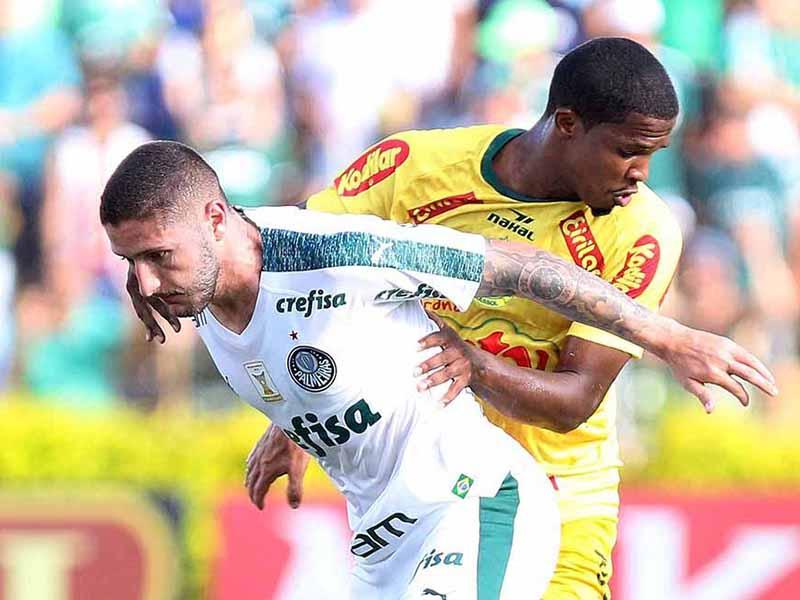 Com um a mais, Palmeiras fica no empate com o Mirassol; São Paulo volta a tropeçar em casa