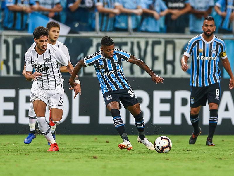 Libertad vence o Grêmio em Porto Alegre; Galo perde mais uma e se complica