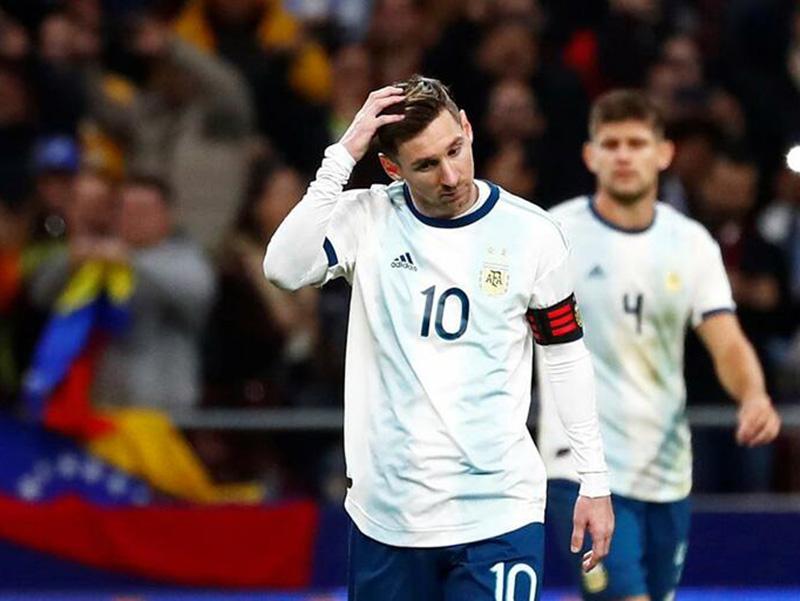 Em amistosos, Venezuela faz 3 a 1 na Argentina e Peru vence o Paraguai