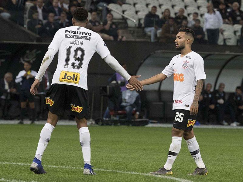 Gustagol marca no fim e garante empate do Corinthians na Fonte Luminosa