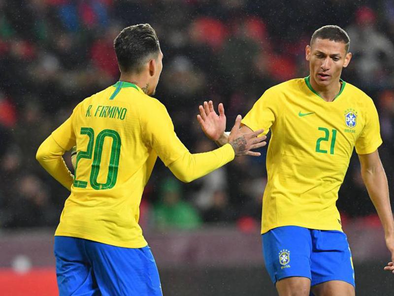Brasil vence a República Tcheca de virada em Praga