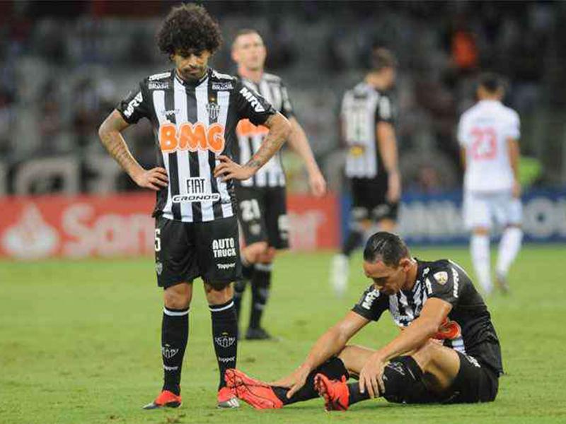Atlético-MG perde mais uma e é eliminado da Libertadores