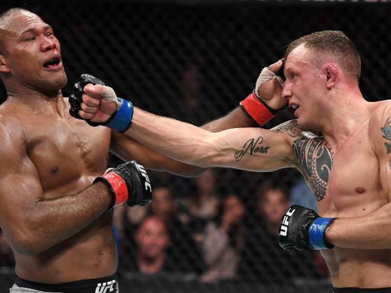 Jacaré luta mal e é derrotado por Hermansson na Flórida