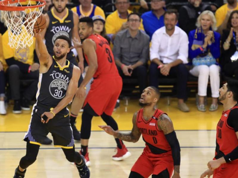 Warriors viram no fim e abrem 2 a 0 sobre os Trail Blazers na final do Oeste