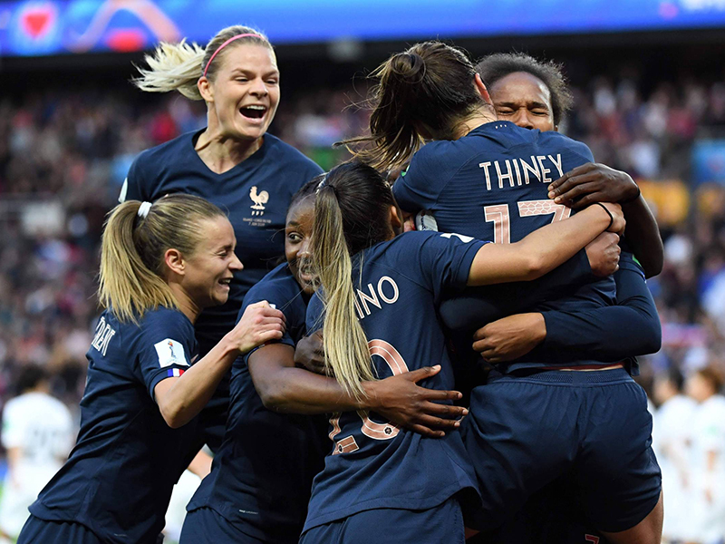 França estreia Copa do Mundo Feminina em casa com vitória sobre a Coreia do Sul