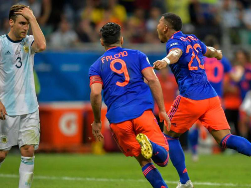 Colômbia faz 2 a 0 na Argentina em Salvador