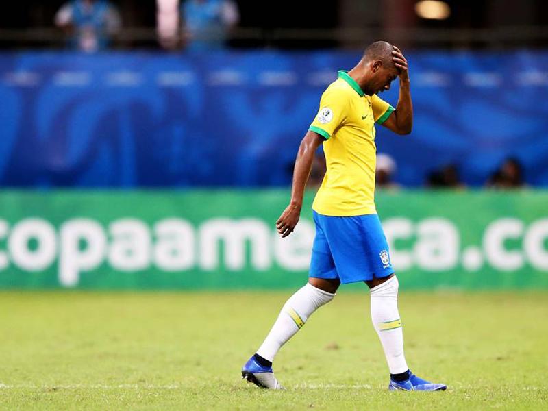 Brasil tem três gols anulados e fica no empate com a Venezuela