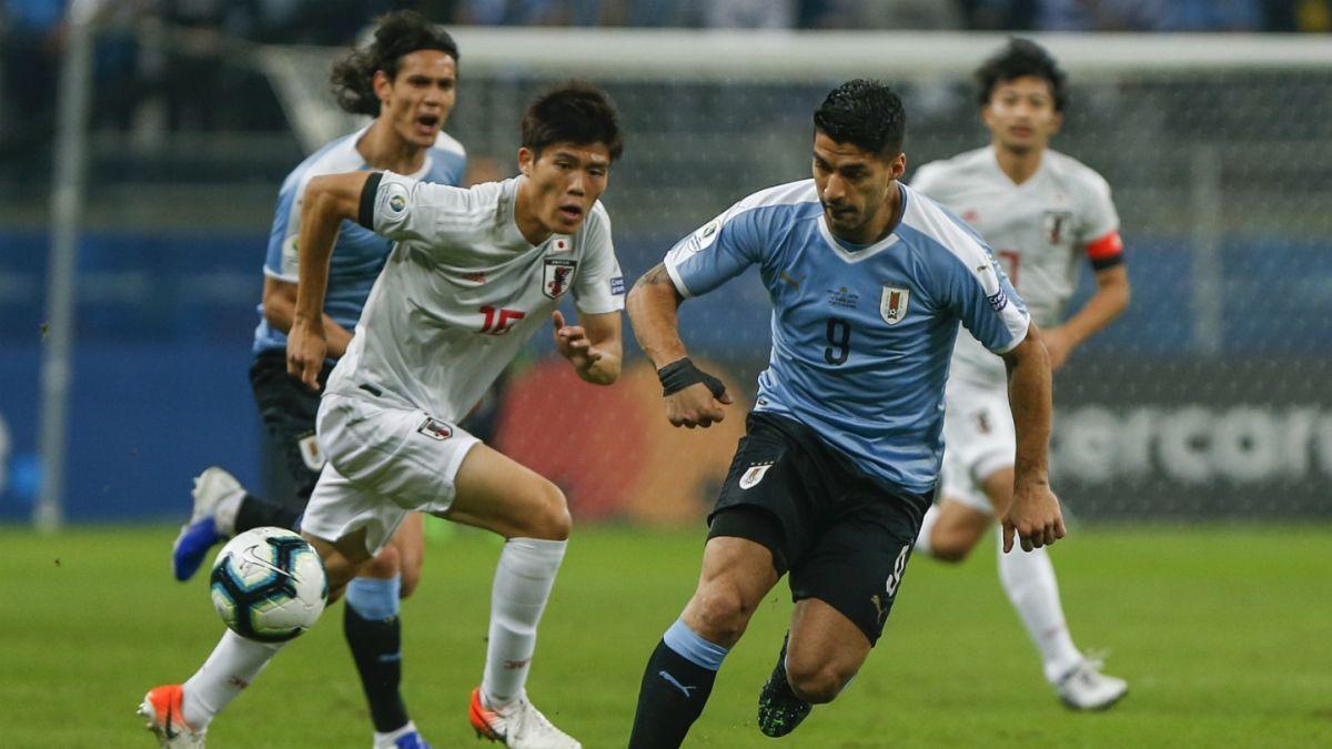 Com arbitragem polêmica, Uruguai fica no empate com o Japão em Porto Alegre