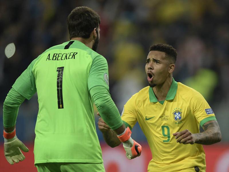 Nos pênaltis, Brasil passa pelo Paraguai e está nas semis da Copa América