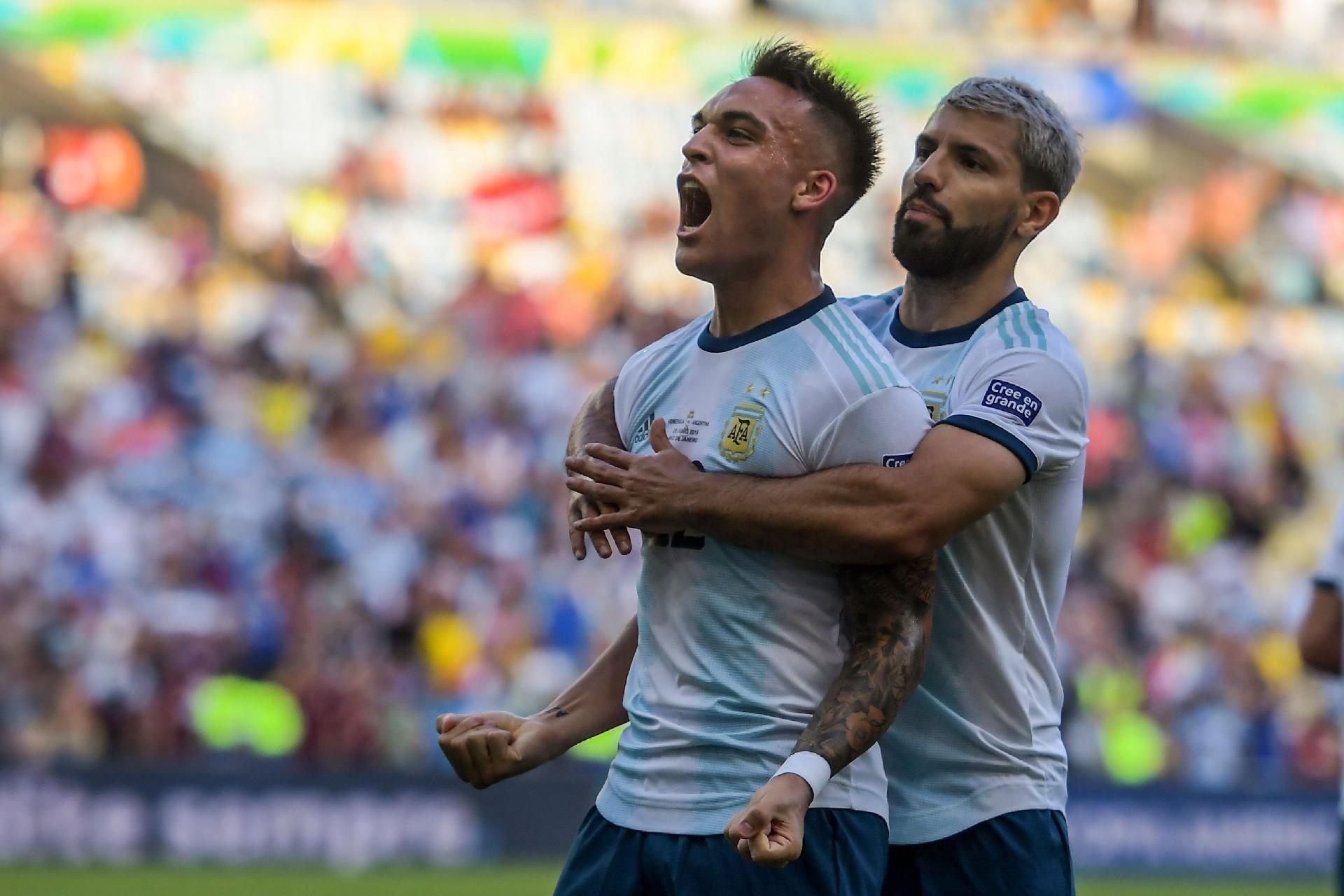 Argentina despacha a Venezuela e pega o Brasil nas semis