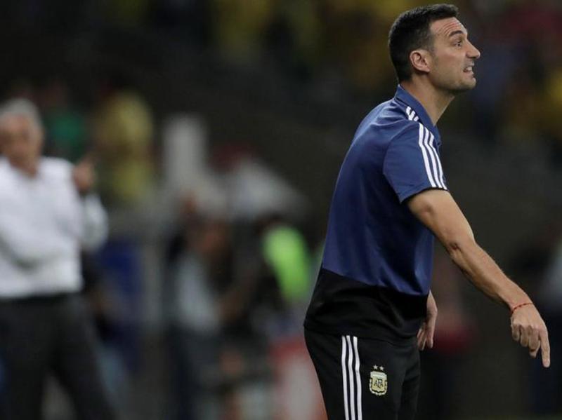 Argentinos elogiam atuação da equipe e ficam na bronca com o VAR