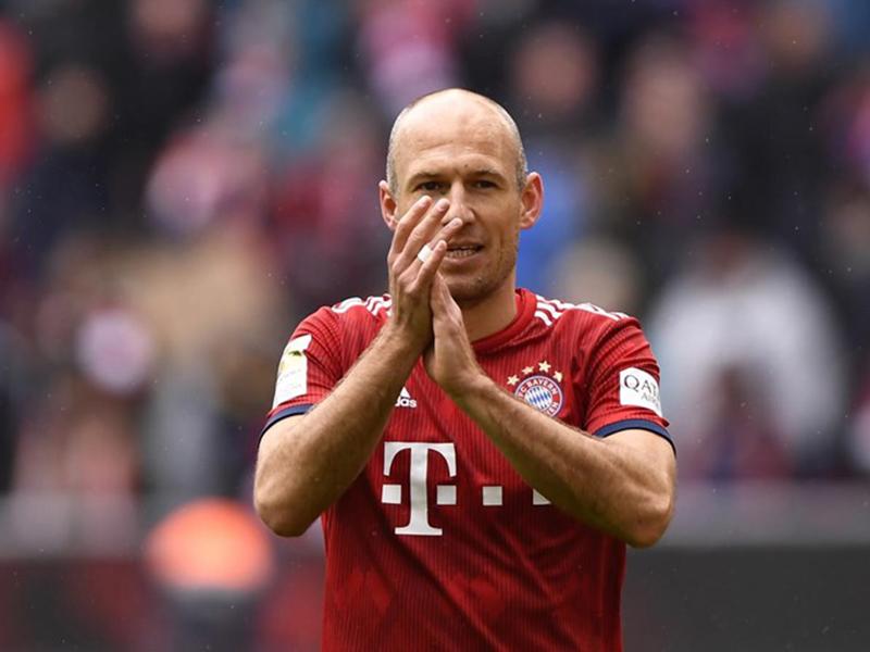 Arjen Robben encerra contrato com Bayern e anuncia aposentadoria