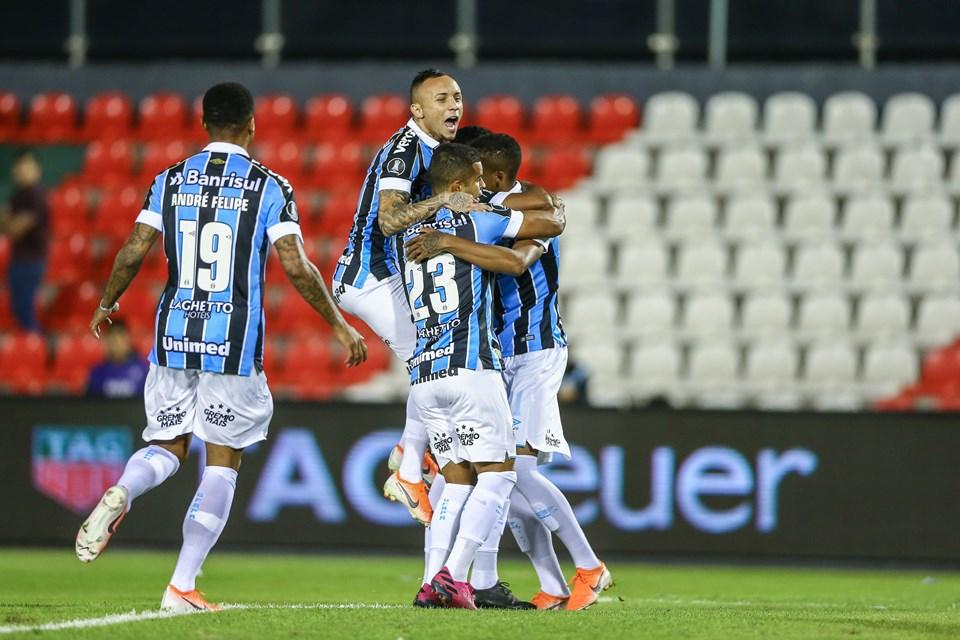 Grêmio vence Libertad no Paraguai; Libertadores pode ter semifinal gaúcha