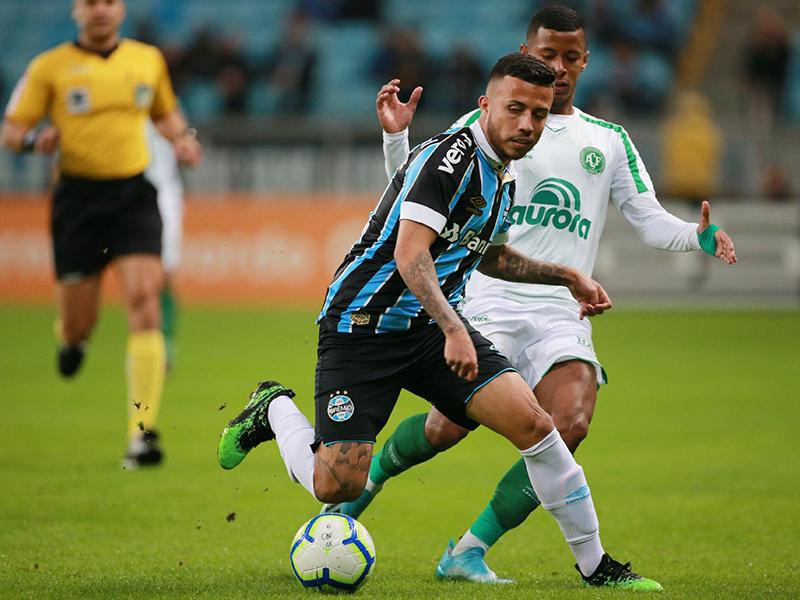 Grêmio e Chape empatam em jogão de seis gols em Porto Alegre