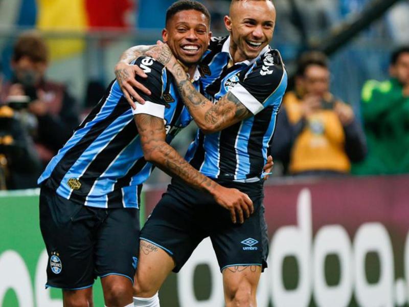 Grêmio faz 2 a 0 no Athlético e se aproxima da final da Copa do Brasil