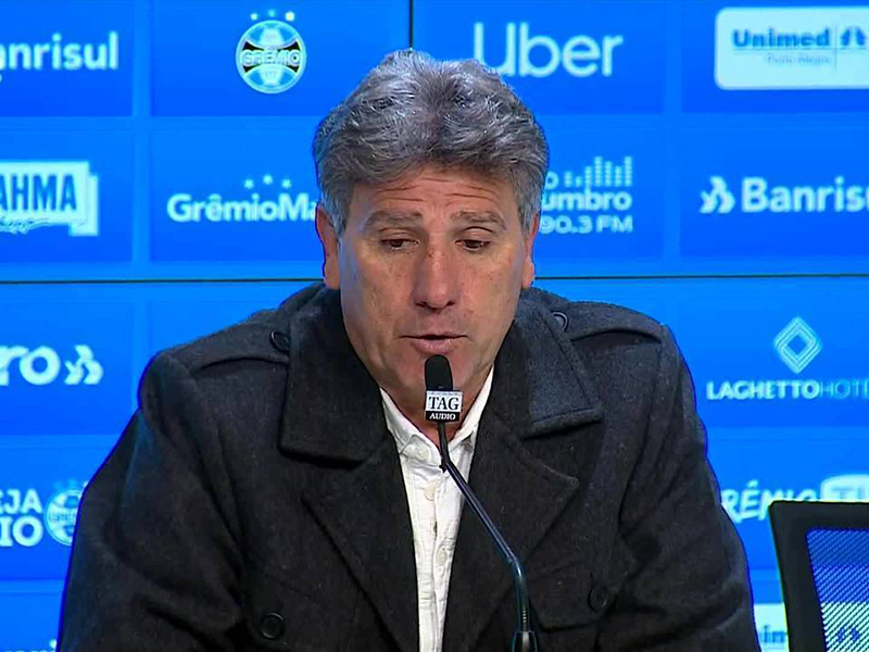 "Renato Gaúcho exalta ""futebol bonito"" do Grêmio em Porto Alegre"
