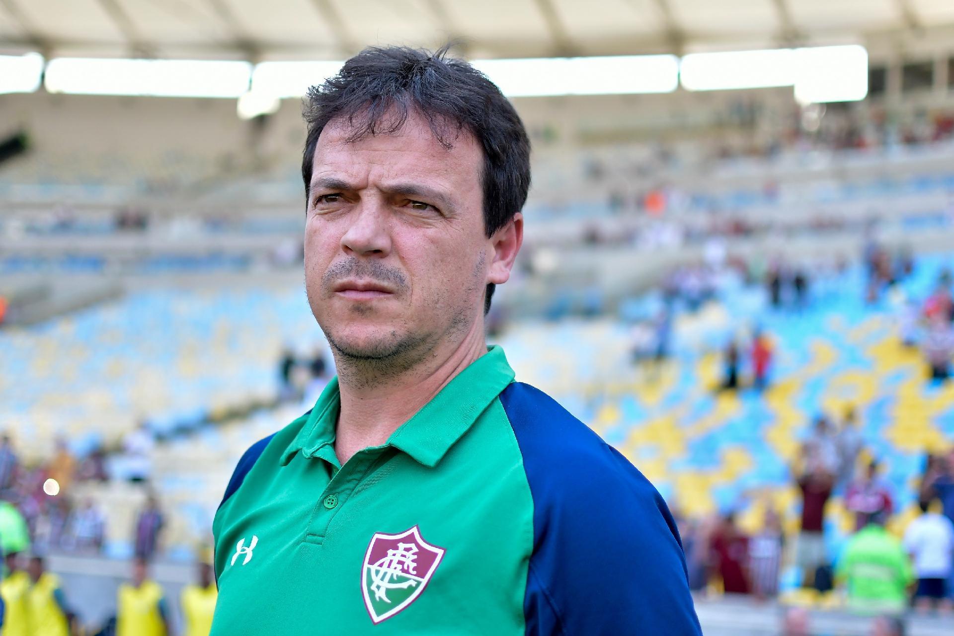 Fluminense perde para o CSA em casa e Fernando Diniz é demitido